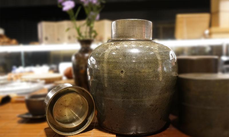 日本名家‧繼山制‧綠花釉古瓷茶心壺