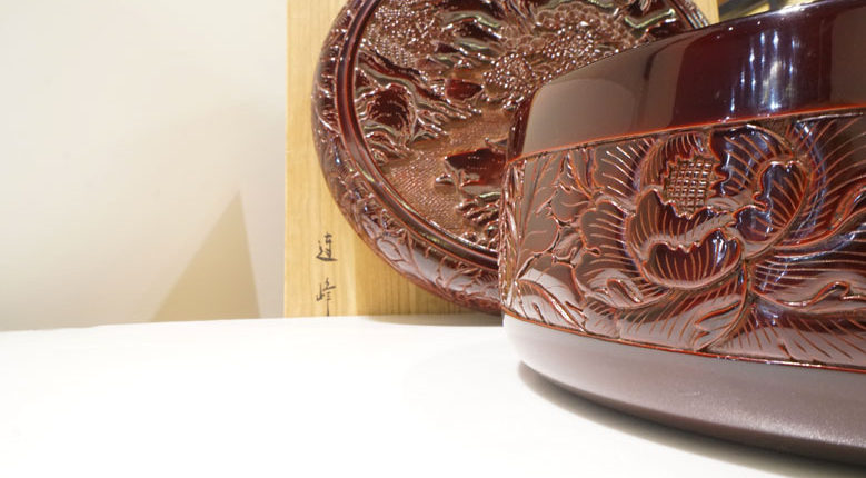 村上木雕堆朱朱溜塗山水茶櫃