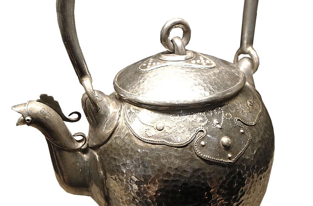 明治時期‧名越彌五郎制‧寶珠形鳳凰口雕銀壺