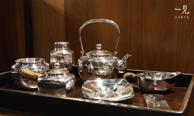 難得一見 ‧ 茶道具 古董 茶海 公道杯 茶漏 【 亮面嶽峙勝景純銀茶道具組 】